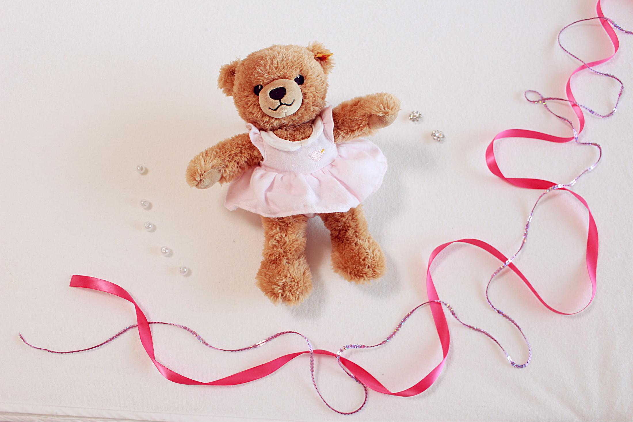赤ちゃんへの初めてのプレゼントにシュタイフベアーはいかが?