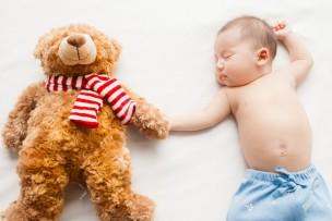 寝返り期の赤ちゃんにおすすめの服装ってどんなの?
